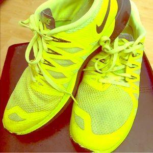 Men's size 11 Nike Free 5.0